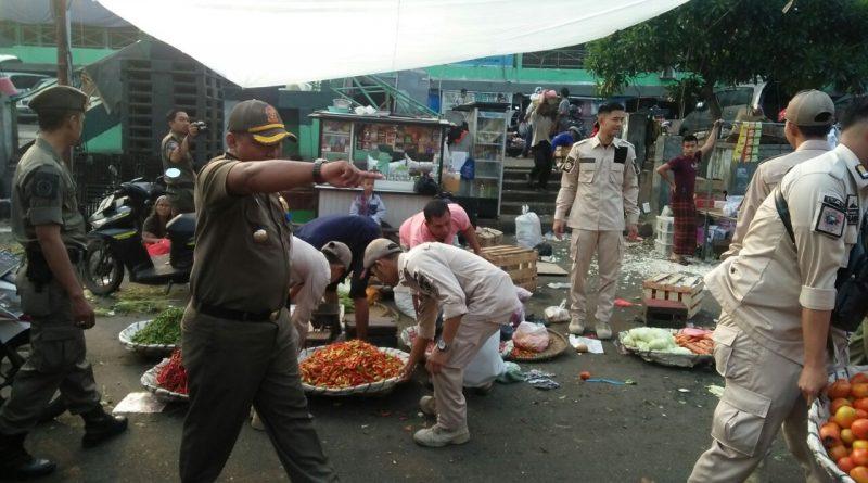Penertiban Pedagang di Pasar Anyar Berjalan Kondusif