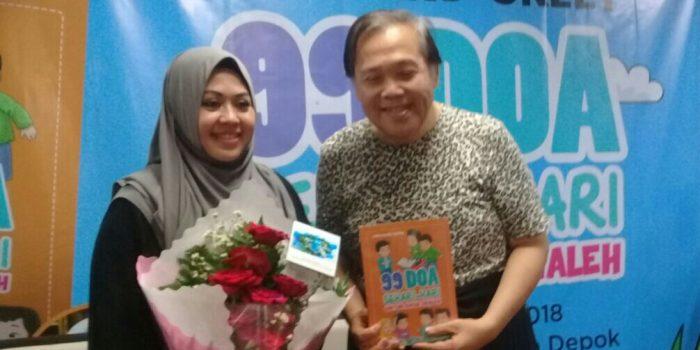 Buku 99 Doa Sehari – hari untuk Anak Shaleh Karya Hj. Erna Rasyid Taufan Dilaunching