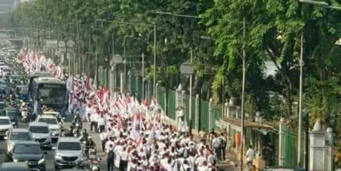 Ribuan Pegawai Pertamina Gelar Aksi Demo