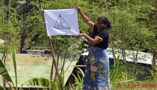 Warga Lombok Kibarkan Bendera FPI