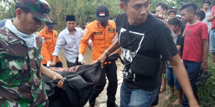 Sesosok Mayat Ditemukan di Muara Pantai Tulung Beliung Pekon Tanggamus