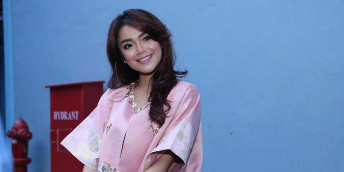 Sering Cek-cok, Shezy Idris Gugat Cerai Suaminya Krisna