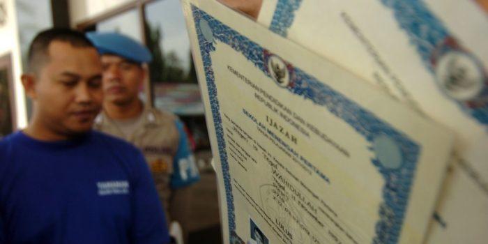 Kenapa di Indonesia Rentan Palsukan Ijasah