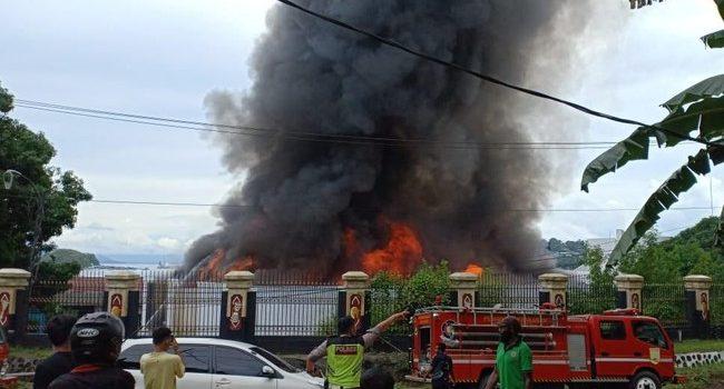 Berikut Fakta Dibalik Kebakaran Kantor Gubernur Papua