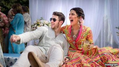 Nick Jonas Persunting Priyanka Chopra