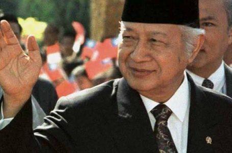 Survei Indo Barometer : Kalahkan Jokowi, Soeharto Paling Disukai Rakyat
