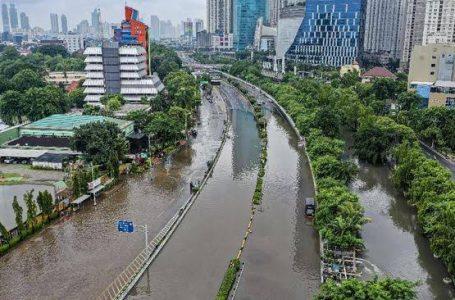 Banjir 1,5 Meter Rendam Ratusan Rumah di Jakarta Timur
