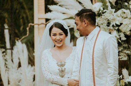 Sebelum Glenn Fredly Meninggal, Mutia Ayu Unggah Foto Berpelukan dengan Suami