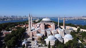Antara Hagia Sophia, Erdogan dan Ekonomi Turki
