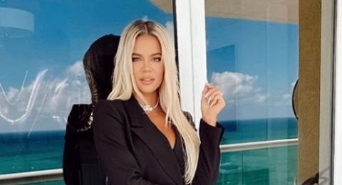 Bintang Reality Show Khloe Kardasian Terinfeksi Covid-19