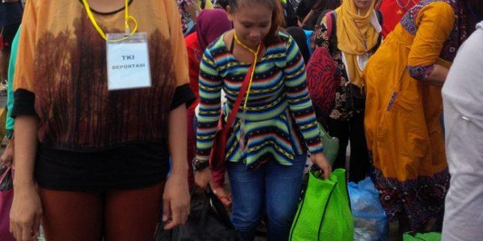 Malaysia Deportasi 25 TKI Asal NTT
