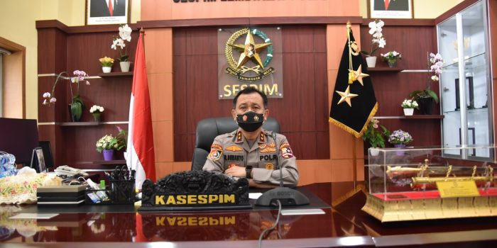 Kasespim Polri Bekali Pasis Dikreg Seskoal Angkatan ke-58 TA 2020