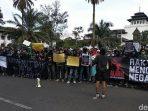 Demo UU Omnibus Law Cipta Kerja , Polda Periksa Ketua KAMI Jabar