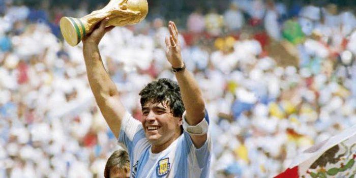 Legendaris Sepakbola Diego Armando Maradona Meninggal Dunia