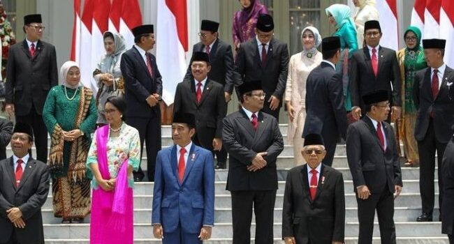 11 Menteri Punya Rapor Merah, Pengamat: Seharusnya Jokowi Berhentikan SMI, Luhut dan Nadiem